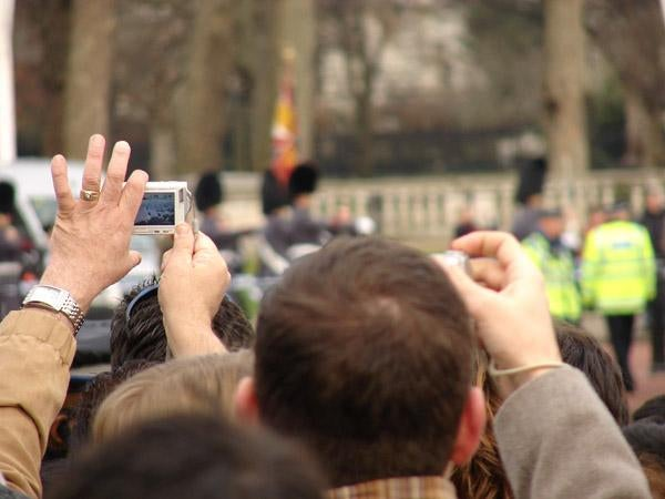 Multitud en Cambio de guardia en el Buckingham Palace
