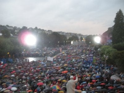 Multitud en Lourdes