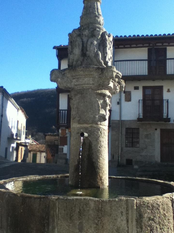Estatua en Montemayor del Río