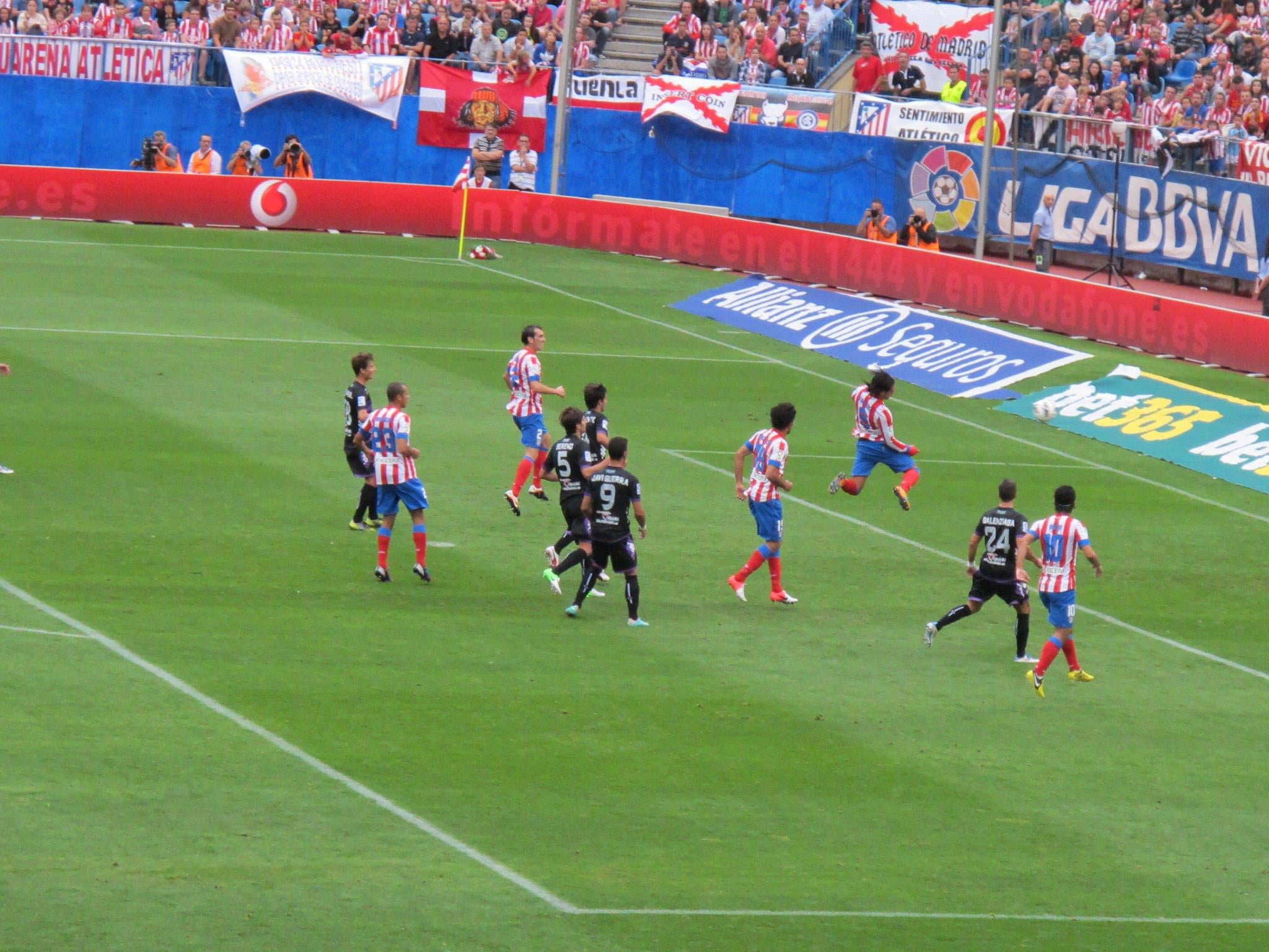 Fútbol canadiense en Estadio Vicente Calderón