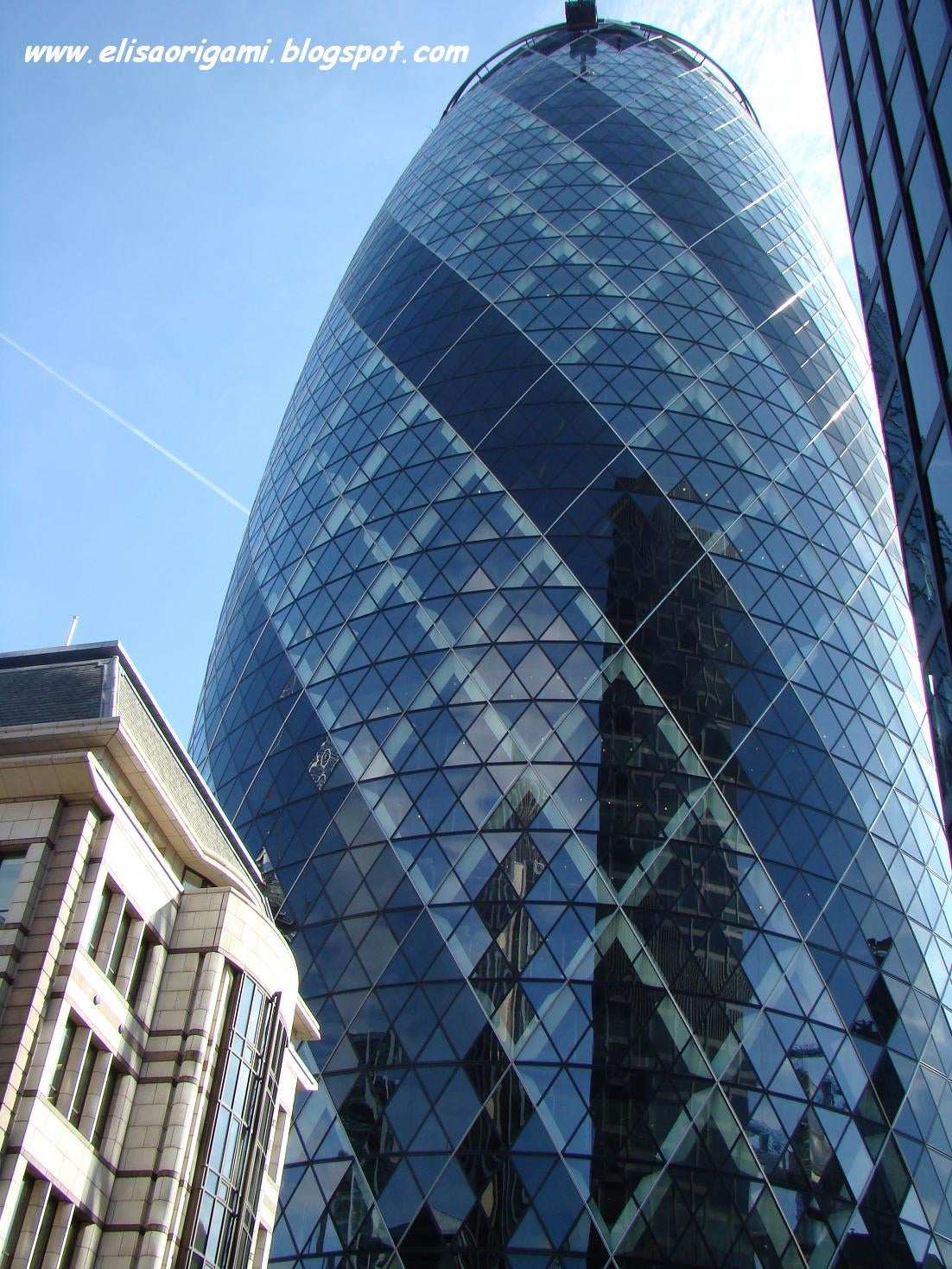 Reflejo en Swiss Re Tower - Torre Gherkin