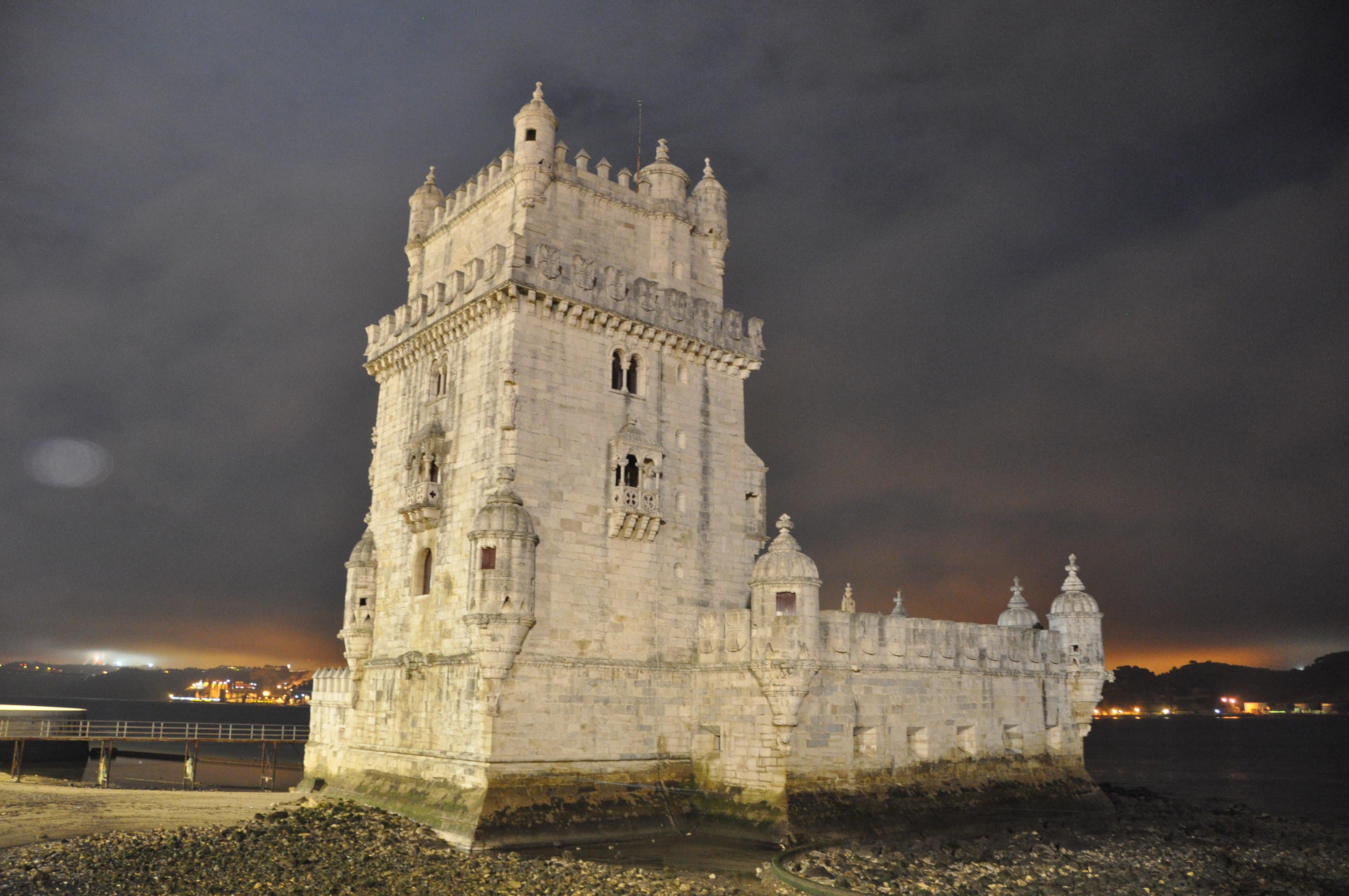 Sea in Belém Tower