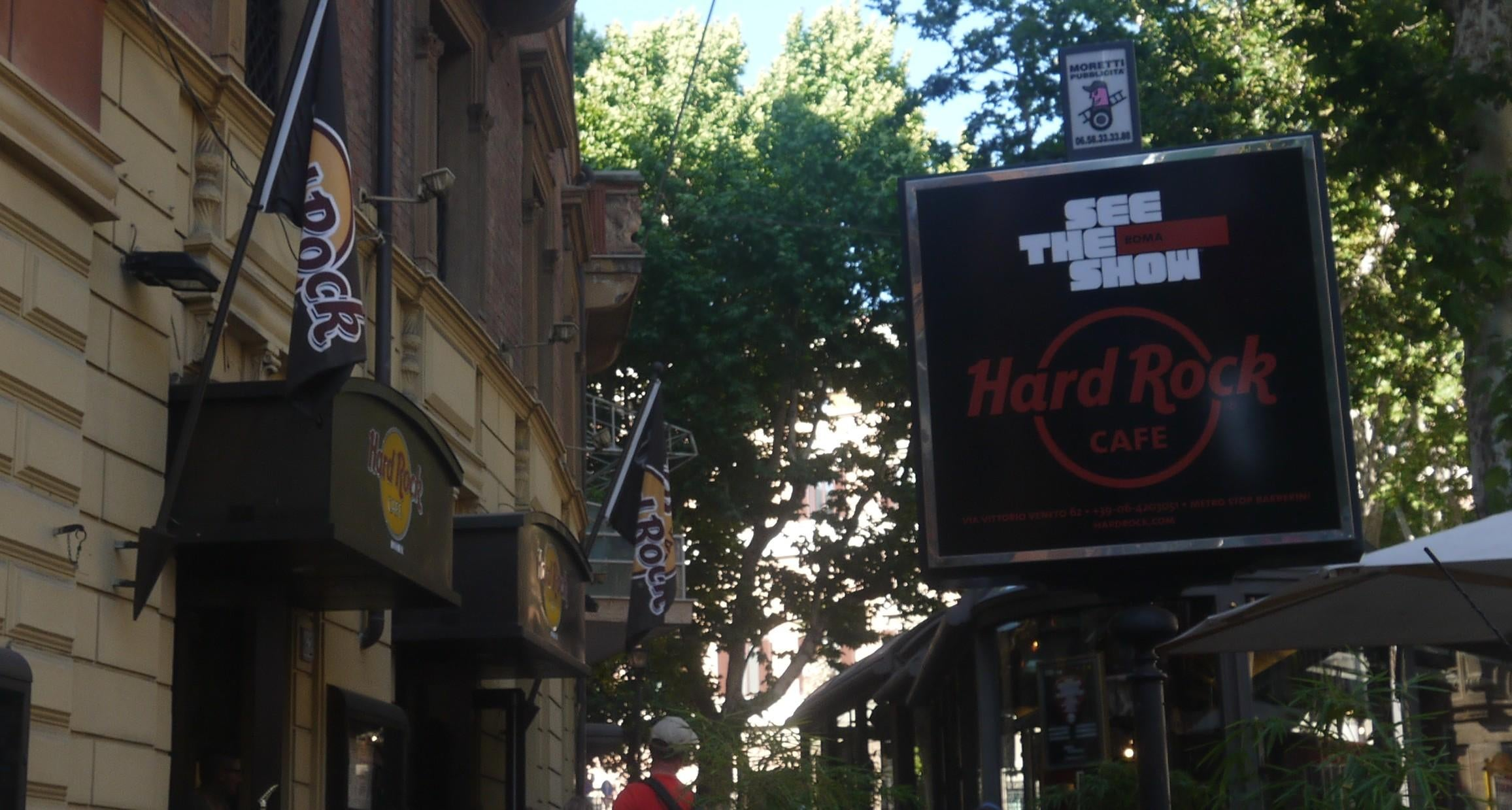 Cartel de la calle en Hard Rock Cafe Rome