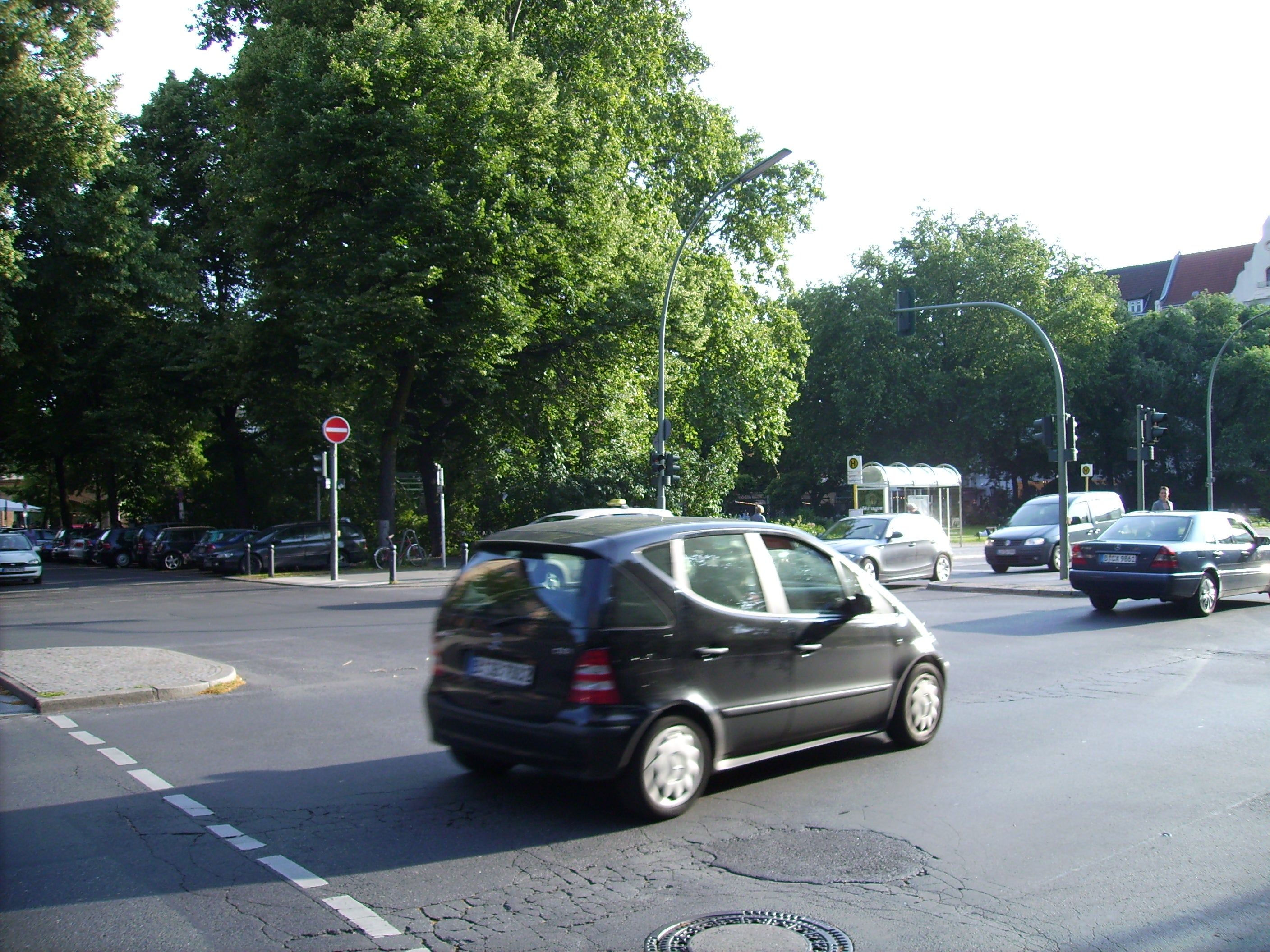 Coche familiar en Savignyplatz